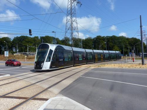 15/08/2018 - photo tram CAF Urbos 3 107 Luxtram sur la ligne T1 à Luxembourg - Luxembourg