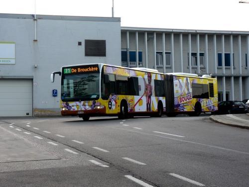 24/07/2018 - photo bus Mercedes-Benz Citaro 9027 STIB-MIVB sur la ligne 71 à Bruxelles - Belgique