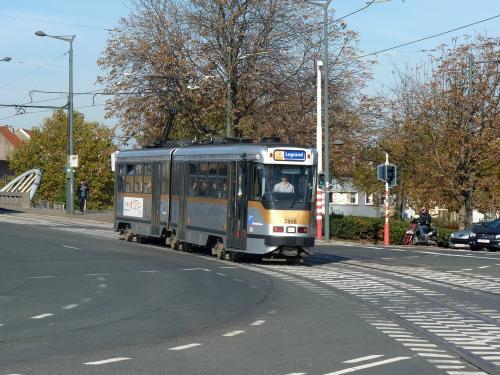 04/11/2018 - photo tram BN PCC7700 7806 STIB-MIVB sur la ligne 93 à Bruxelles - Belgique
