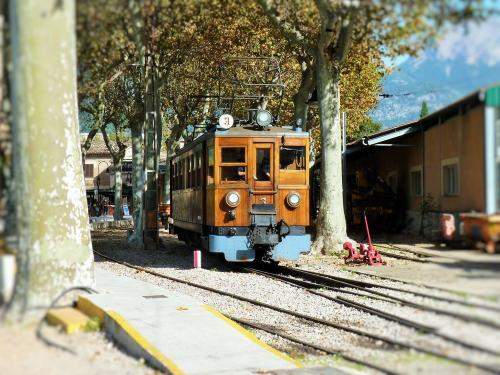 13/11/2018 - photo train 3 Ferrocarril de Sóller SA in Sóller - Spain