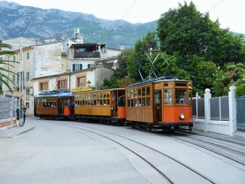 13/11/2018 - photo tram Ferrocarril de Sóller SA à Sóller - Espagne