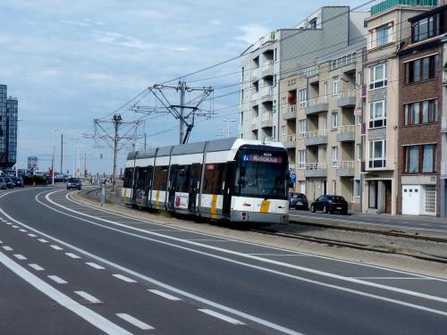 15/08/2012 - photo tram HermeLijn 6339 De Lijn à Ostende - Belgique
