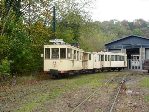28/10/2018 - foto trein SNCV-NMVB op lijn 20 in Thuin - Belgïe