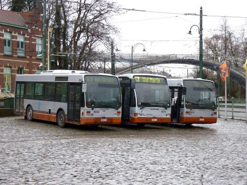 10/02/2019 - photo bus STIB-MIVB sur la ligne 53 à Bruxelles - Belgique
