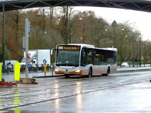 10/03/2019 - photo bus Mercedes-Benz Citaro 9841 STIB-MIVB sur la ligne 44 à Bruxelles - Belgique