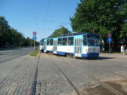20/08/2010 - photo tram Tatra T6B5 Rīgas satiksme sur la ligne 6 à Riga - Lettonie
