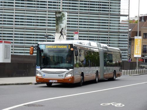 08/06/2019 - photo bus Iveco Bus Urbanway 9213 STIB-MIVB sur la ligne 63 à Bruxelles - Belgique