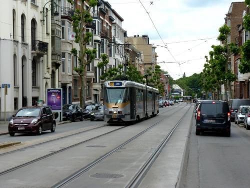 09/06/2019 - photo tram BN PCC7900 7922 STIB-MIVB sur la ligne 51 à Bruxelles - Belgique